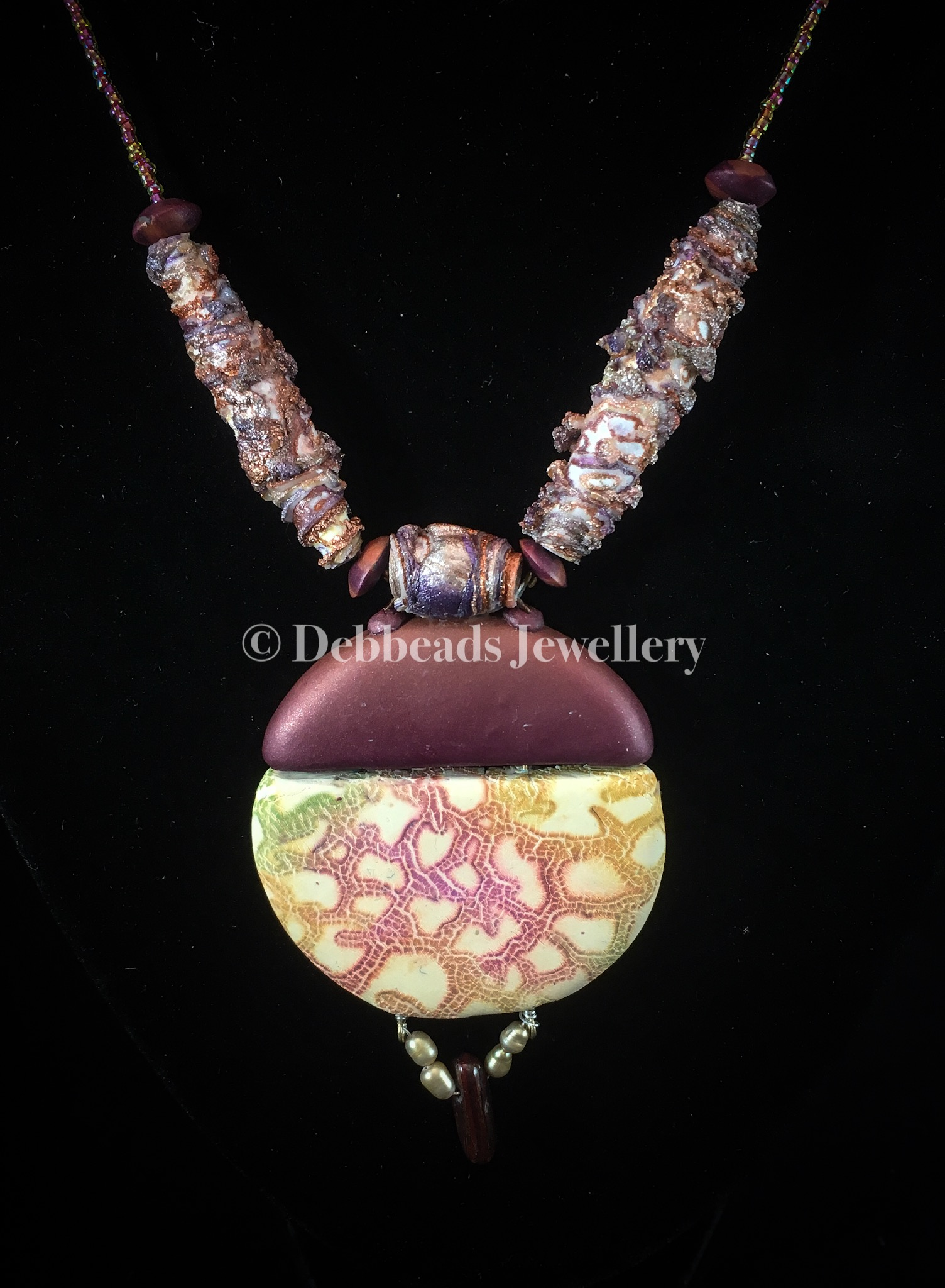 Boho chic Crackle necklace