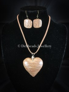 Polka dot & gold stripe taupe heart - set