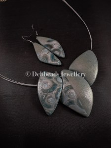 Silver/teal swirl triple bead necklace set